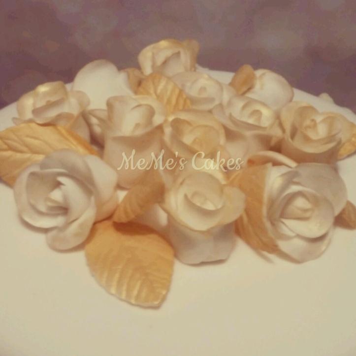 white fondant roses