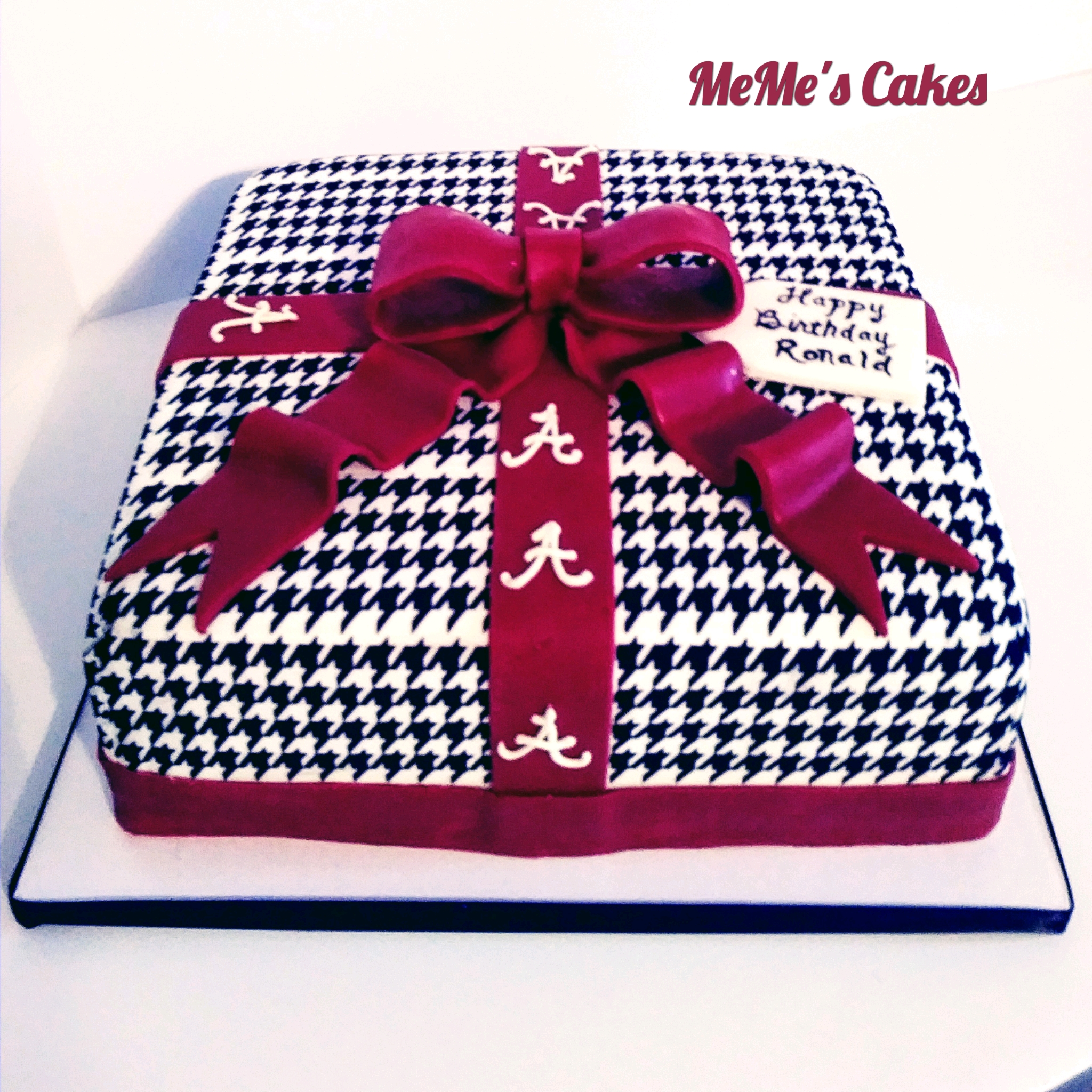Alabama Houndstooth Cake